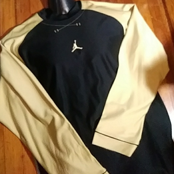 4c5742879a98 Jordan Other - Air Jordan long sleeve crew neck